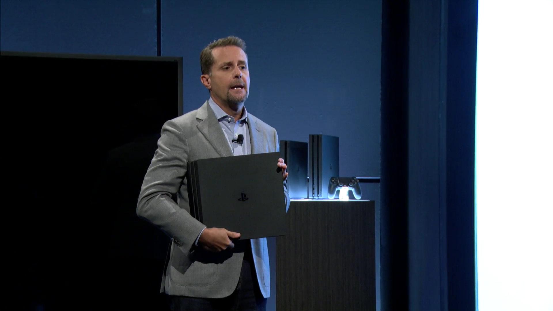 Morro under kjedelig presentasjon av Playstation Pro
